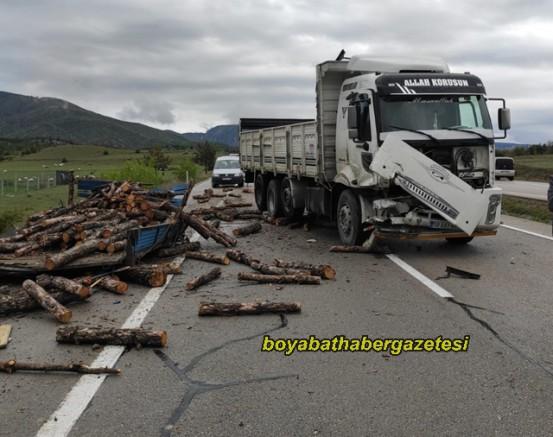 Boyabat'ta Kamyon ve Traktör Kazası  2 Yaralı