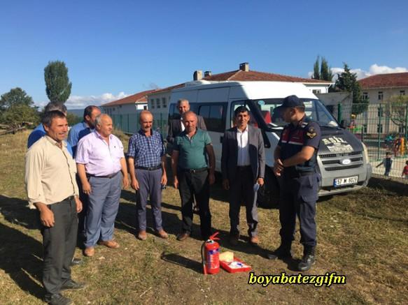 Durağan Jandarma Trafik Ekiplerleri Servis Soförlerini Açık Alanda Bilgilendirdi