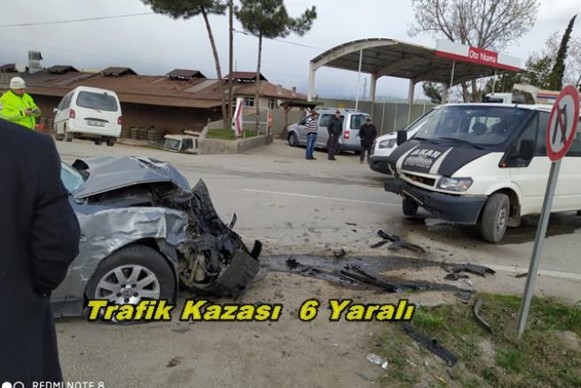 Karacaören Köyü Mevkinde Zincirleme Kaza 6 Yaralı